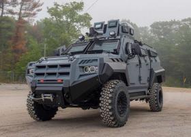 Senator APC: Το απόλυτο στρατιωτικό όχημα επιβίωσης, τώρα και για πολίτες - Κεντρική Εικόνα