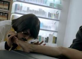 Φαρμακοποιοί κατά Τόνι Σφήνου και 11880 για «άθλια σεξιστική διαφήμιση» (video) - Κεντρική Εικόνα