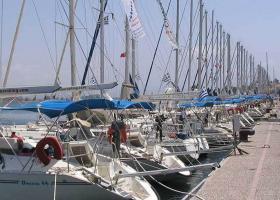 Πισίνες, ιδιωτικά αεροπλάνα, σκάφη: Ο πλούτος των Ελλήνων σε αριθμούς - Κεντρική Εικόνα