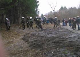 Ένταση στις Σκουριές όταν διαδηλωτές ήρθαν αντιμέτωποι με ΜΑΤ - Κεντρική Εικόνα