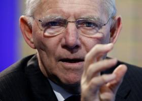 Σε δέσμευση ΔΝΤ επιμένει ο Σόιμπλε - Κεντρική Εικόνα