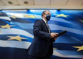 Σταϊκούρας: Διευρύνεται και επεκτείνεται το πακέτο στήριξης των 2,3 δισ. ευρώ - Τι θα γίνει με τα ενοίκια - Κεντρική Εικόνα