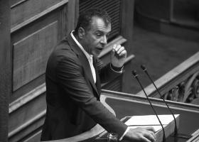 Σ.Θεοδωράκης: Η χώρα να πάψει να κρύβει τα προβλήματα της κάτω από... τον λιγνίτη - Κεντρική Εικόνα