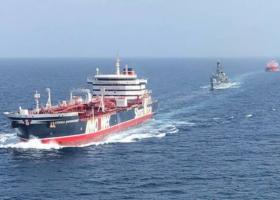 Το υπό βρετανική σημαία δεξαμενόπλοιο Stena Impero πλέει κοντά στο Ντουμπάι - Κεντρική Εικόνα