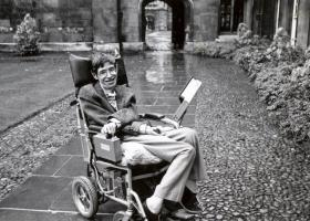 Βρετανία: Αντικείμενα του Στίβεν Χόκινγκ πωλούνται σε δημοπρασία - Κεντρική Εικόνα