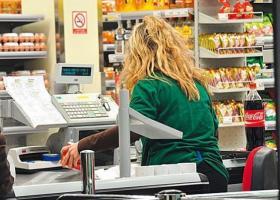 Σούπερ μάρκετ και μεγάλα εμπορικά παρά τα υπερκέρδη, απασχολούν υπαλλήλους με... εργόσημο - Κεντρική Εικόνα