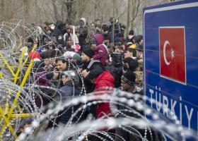 Συνεχίστηκαν στη διάρκεια της νύχτας οι οργανωμένες προσπάθειες παραβίασης των συνόρων - Κεντρική Εικόνα
