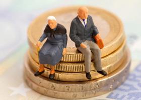 Συντάξεις: Πληρώνονται σήμερα τα αναδρομικά από 450 έως 4.550 ευρώ - Κεντρική Εικόνα