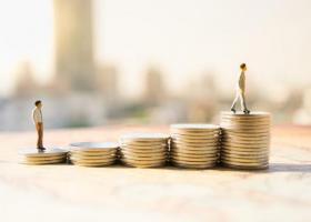 Συντάξεις: Τα νέα ποσά για παλαιούς και νέους συνταξιούχους ανάλογα με τον μισθό και τα έτη (Πίνακες) - Κεντρική Εικόνα