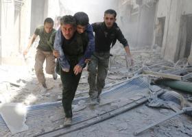 Εκατόμβη άμαχων θυμάτων σε βομβαρδισμούς στη Συρία - Κεντρική Εικόνα