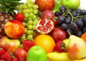 Δέσμευση 2,2 τόνων φρούτων σε επιχείρηση του Πειραιά - Κεντρική Εικόνα