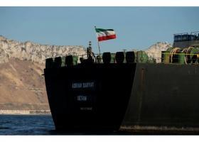 Der Spiegel: Πρόβλημα για την Αθήνα το ιρανικό τάνκερ - Κεντρική Εικόνα