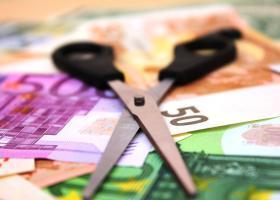 Σε περισσότερες δόσεις οι φόροι του 2020 για νοικοκυριά και επιχειρήσεις - Κεντρική Εικόνα