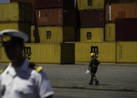 Απαγόρευση εισαγωγής φορτίου 36 τόνων στο τελωνείο του Πειραιά - Κεντρική Εικόνα
