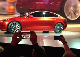 Ξεκινάει η διάθεση του Tesla Model 3 στην Ευρώπη - Κεντρική Εικόνα