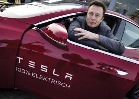 Οι μετοχές της Tesla ξανά σε άνοδο - Κεντρική Εικόνα