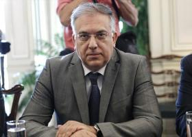 Θεοδωρικάκος: Να εφαρμόσουν όλοι οι δήμοι τις ρυθμίσεις για τα τραπεζοκαθίσματα - Κεντρική Εικόνα