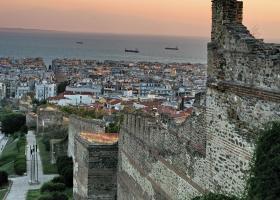 Θεσσαλονίκη: 10 εκατ. ευρώ από την Περιφέρεια Κεντρ. Μακεδονίας στους δήμους για τη δημιουργία «πράσινων σημείων» - Κεντρική Εικόνα