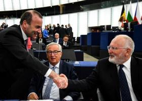 Handelsblatt: «Στον σκληρό αγώνα για τις σημαντικότερες θέσεις της ΕΕ, αναδύεται μια λύση» - Κεντρική Εικόνα