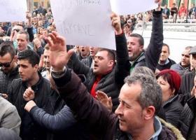 Νέα σοβαρά επεισόδια στην Αλβανία (videos) - Κεντρική Εικόνα