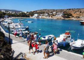«Μαύρα» σημάδια και στον εσωτερικό τουρισμό -Ένας στους δύο Έλληνες αδυνατεί να πάει μια εβδομάδα διακοπές - Κεντρική Εικόνα