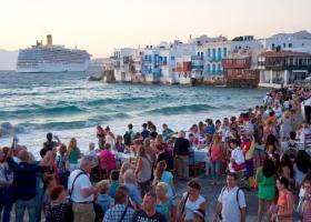 Στα 2,45 εκατ. οι τουρίστες στο πεντάμηνο, σύμφωνα με στοιχεία της ΤτΕ - Κεντρική Εικόνα