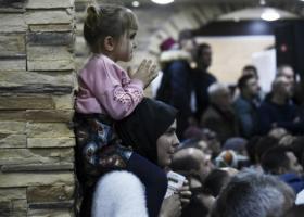 Τούρκοι φυγάδες: Η τουρκική αστυνομία με βασάνιζε, η ελληνική έφερε πρωινό στα παιδιά μου - Κεντρική Εικόνα