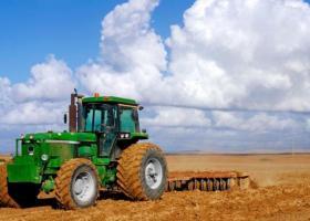 «Έμπειροι» σε διαδικτυακές απάτες πούλαγαν... ανύπαρκτα τρακτέρ σε ανυποψίαστους αγρότες - Κεντρική Εικόνα