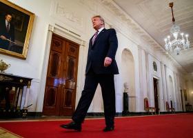 Ο Τραμπ απέλυσε κυβερνητικούς αξιωματούχους που κατέθεσαν εναντίον του - Κεντρική Εικόνα