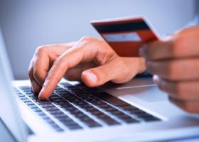 Τράπεζες: Πώς θα «μπείτε» στον λογαριασμό σας από το σπίτι - Κεντρική Εικόνα