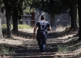Τρίκαλα: Παραμένει το μυστήριο με το θάνατο της 16χρονης - Αυτοκτονία από πτώση ή φονικά χτυπήματα; - Κεντρική Εικόνα