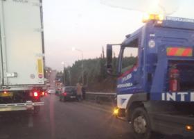 Μεγάλη καραμπόλα με 15 οχήματα στον Περιφερειακό Θεσσαλονίκης (photos+video) - Κεντρική Εικόνα