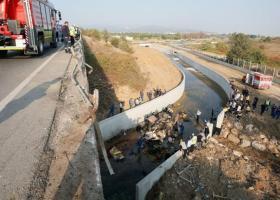 Τραγωδία με φορτηγό γεμάτο μετανάστες στην Τουρκία: 19 νεκροί ανάμεσά τους και παιδιά (photos+video) - Κεντρική Εικόνα