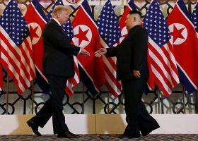 Προθυμία για μια τρίτη σύνοδο διατυπώνουν οι Τραμπ και Κιμ Γιονγκ Ουν  - Κεντρική Εικόνα