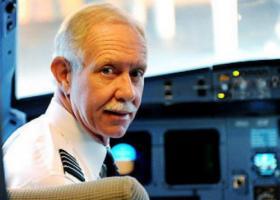 Σαλενμπέργκερ: Εκπαίδευση σε προσομοιωτή των πιλότων που πετούν αεροσκάφη 737 MAX - Κεντρική Εικόνα