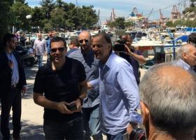 Στο Κερατσίνι σε ουζερί με δημοσιογράφους ο Αλέξης Τσίπρας (photos) - Κεντρική Εικόνα