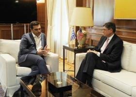 Απαραίτητη η αναδιάρθρωση του ελληνικού χρέους, συμφώνησαν Αλ. Τσίπρας και Τζ. Λιου - Κεντρική Εικόνα