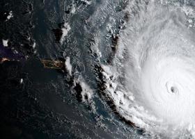 Ο Τραμπ ματαίωσε το ταξίδι του στην Πολωνία λόγω του τυφώνα Ντόριαν - Κεντρική Εικόνα