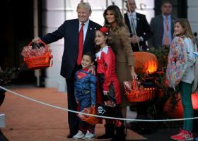 Οι Τραμπ γιόρτασαν το πρώτο τους Halloween στον Λευκό Οίκο (photos) - Κεντρική Εικόνα