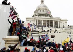 ΗΠΑ-Καπιτώλιο: «Μαύρη μέρα» για τη χώρα η εισβολή ακροδεξιού όχλου - 4 νεκροί, 52 συλλήψεις (pics/vid) - Κεντρική Εικόνα