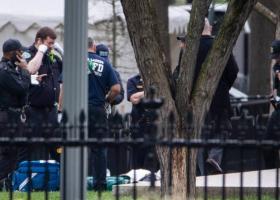 Ανδρας έβαλε φωτιά στο τζάκετ του μπροστά από τον Λευκό Οίκο - Κεντρική Εικόνα