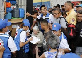 Βενεζουέλα: Στην χώρα το πρώτο φορτίο ανθρωπιστικής βοήθειας του Ερυθρού Σταυρού - Κεντρική Εικόνα