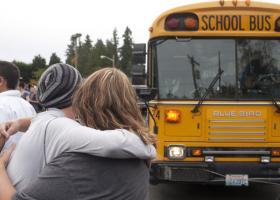 Πώς τα ένοπλα επεισόδια σε σχολεία των ΗΠΑ σχετίζονται με την ανεργία - Κεντρική Εικόνα
