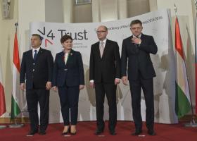 Ο στόχος των χωρών της ομάδας Βίσεγκραντ είναι να βοηθήσουν τη Βουλγαρία να κρατήσει εκτός τους μετανάστες - Κεντρική Εικόνα