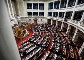 Υπερψηφίστηκε η τροπολογία για την πολυϊδιοκτησία στο ποδόσφαιρο - Ποιοι βουλευτές απουσίαζαν - Κεντρική Εικόνα