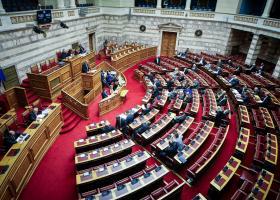 Έρχεται σήμερα στη Βουλή με τροπολογία η «13η σύνταξη» - Κεντρική Εικόνα
