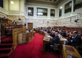 Βουλή: Αντιπαράθεση Κατρούγκαλου-Γεωργιάδη για την αναθεώρηση του άρθρου 16 - Κεντρική Εικόνα