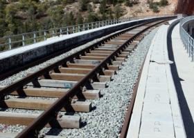Αναστολή κινητοποιήσεων των σιδηροδρομικών - Κεντρική Εικόνα
