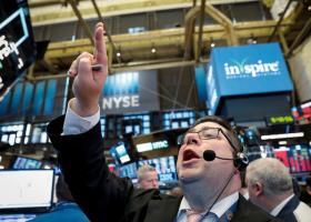 Κέρδη στη Wall Street με ώθηση από την απασχόληση - Κεντρική Εικόνα