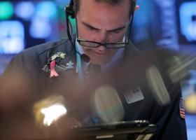 Επιφυλακτικότητα στη Wall Street μετά τις νέες απειλές Τραμπ  - Κεντρική Εικόνα